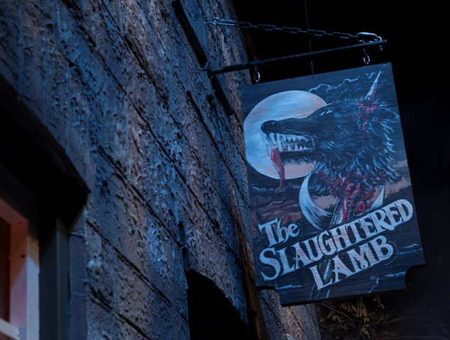 An American Werewolf in London at HHN 23